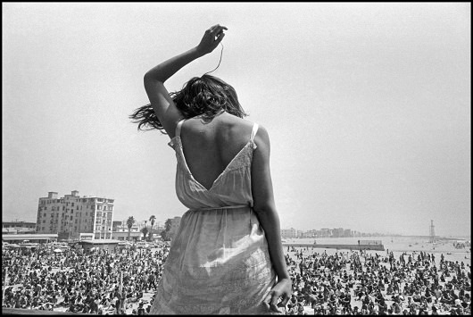 USA. California. 1968. Venice Beach Rock Festival.Contact email:New York : photography@magnumphotos.comParis : magnum@magnumphotos.frLondon : magnum@magnumphotos.co.ukTokyo : tokyo@magnumphotos.co.jpContact phones:New York : +1 212 929 6000Paris: + 33 1 53 42 50 00London: + 44 20 7490 1771Tokyo: + 81 3 3219 0771Image URL:http://www.magnumphotos.com/Archive/C.aspx?VP=Mod_ViewBoxInsertion.ViewBoxInsertion_VPage&R=2K7O3RNICOZ&RP=Mod_ViewBox.ViewBoxZoom_VPage&CT=Image&SP=Image&IT=ImageZoom01&DTTM=Image&SAKL=T