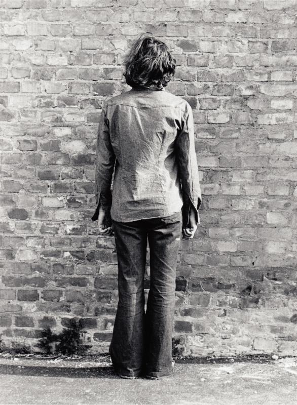 Tót Endre: Örülök, ha a falat bámulhatom (I am glad if I can stare at the wall), 1971-1976/2015