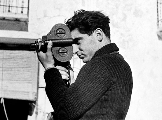 RobertCapa_by_GerdaTaro_higher_hirkep
