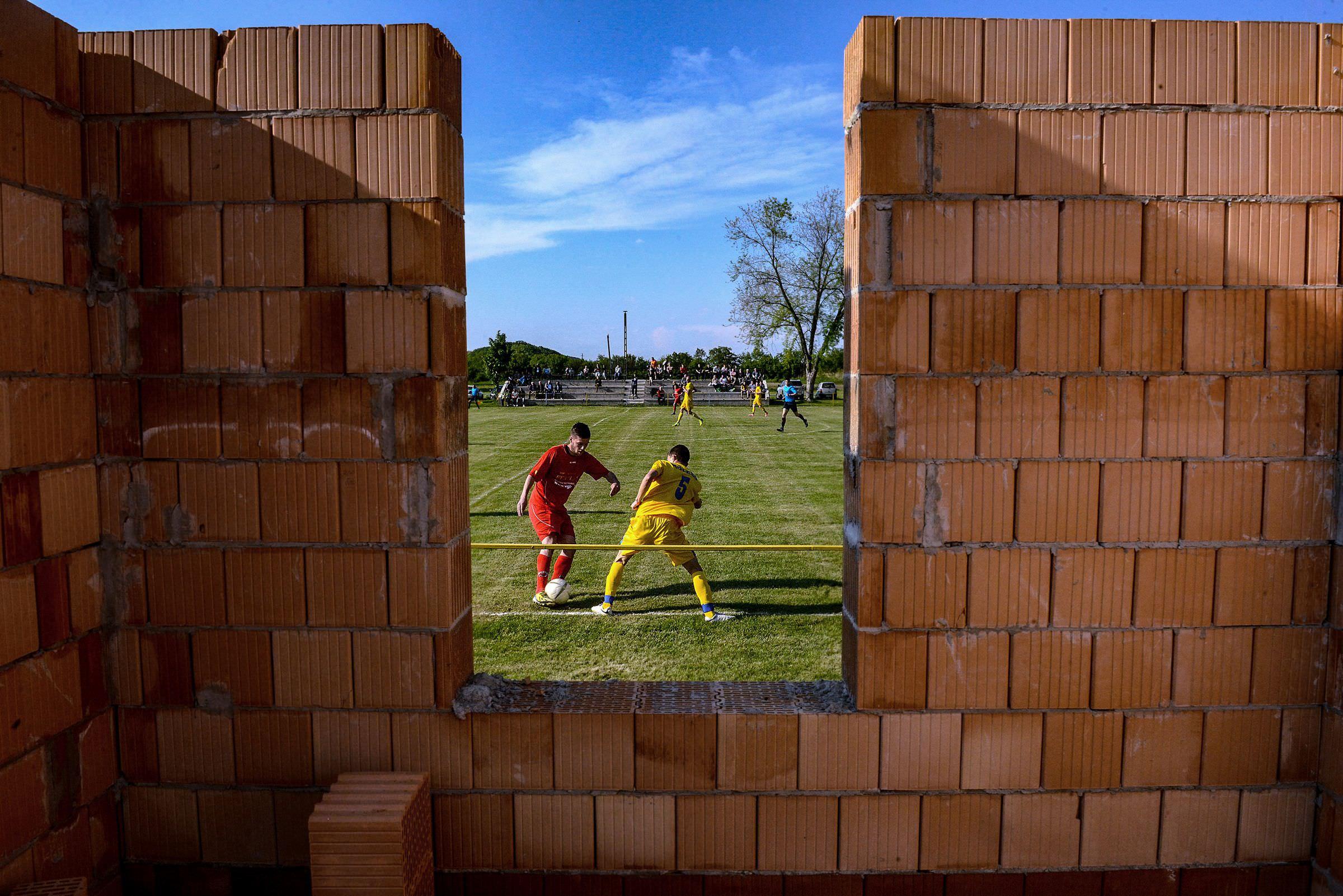 Martonfai Dénes: Részlet a Vidéki foci c. sorozatból