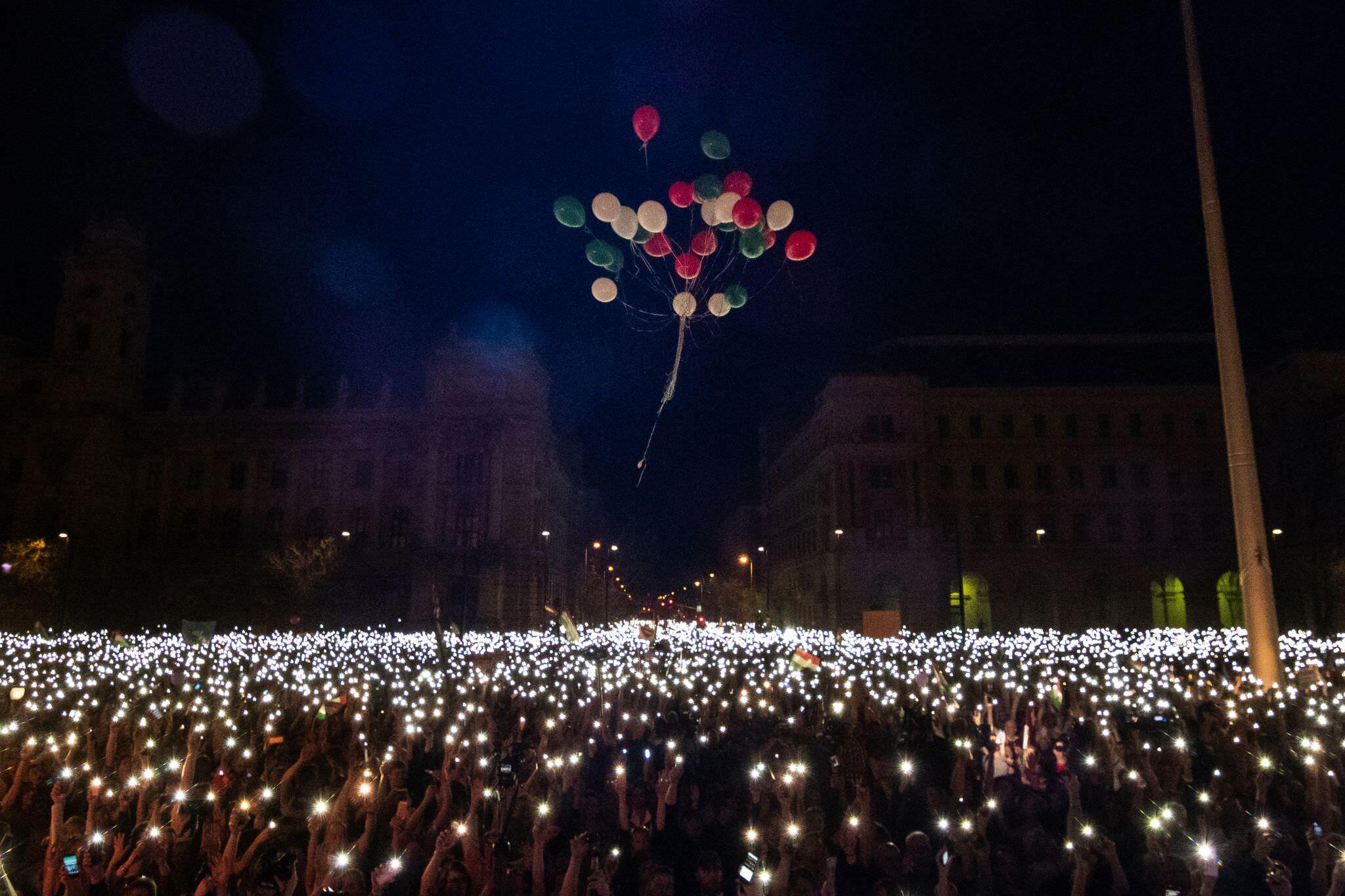 Kategóriadíjak: Hír-, eseményfotó 1. hely: Mónus Márton (MTI/MTVA): Lufi