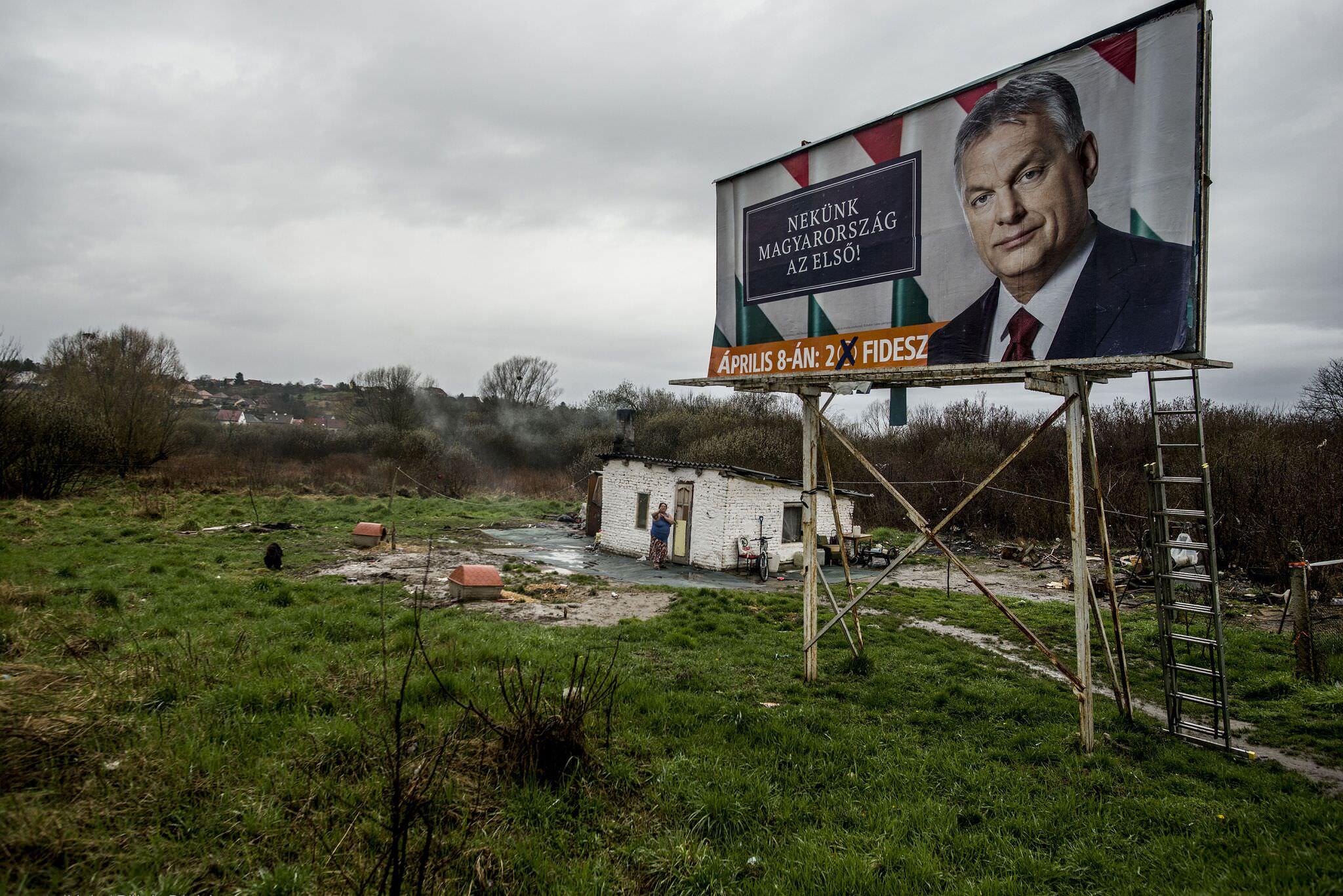 Társadalomábrázolás, dokumentarista fotográfia (egyedi) 3. díj: Röhrig Dániel (Adathír.hu): Választás 2018
