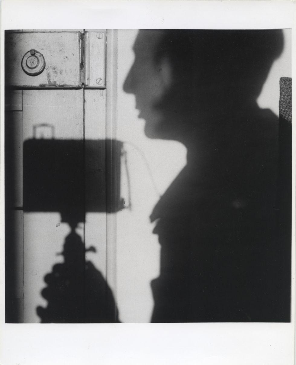 André Kertész: Árnyék önarckép, Párizs, Franciaország | Self-portrait, Paris, France, 1927/1967 © Courtesy André Kertész Memorial Museum, Szigetbecse, Hungary