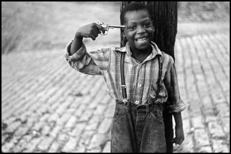 Pittsburgh, Pennsylvania, USA, 1950 © Elliott Erwitt / Magnum Photos