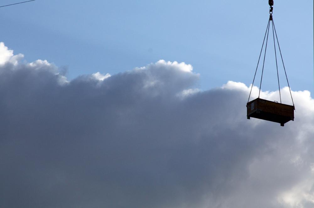Hangay Enikő: Csomag az égből, 2012 © Hangay Enikő