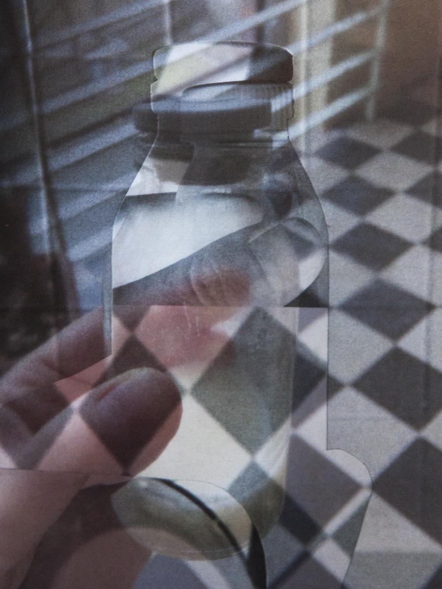 Fátyol Viola: részlet a 204 című sorozatból, 2019–2020, inkjet print, 15x20 cm © Fátyol Viola