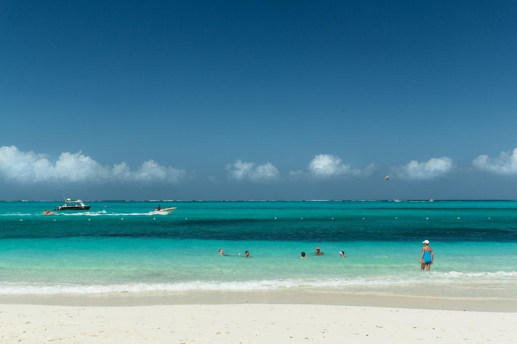 Hasenfratz Ora: Turistaparadicsom, (Turks & Caicos sorozat), II. helyezett