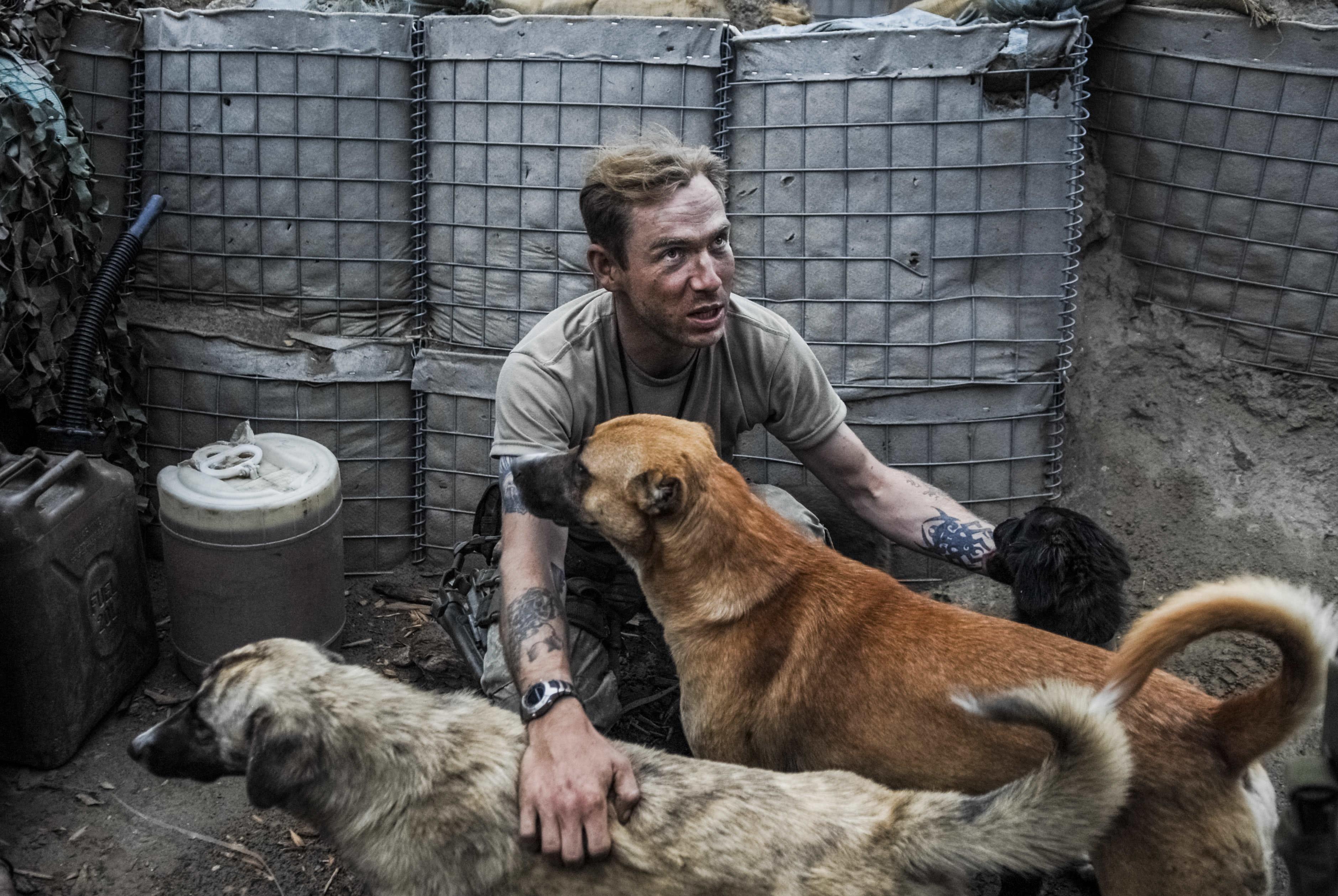 Peter van Agtmael: AFGHANISTAN. US-Afghan Army Outpost. © Peter van Agtmael/Magnum Photos