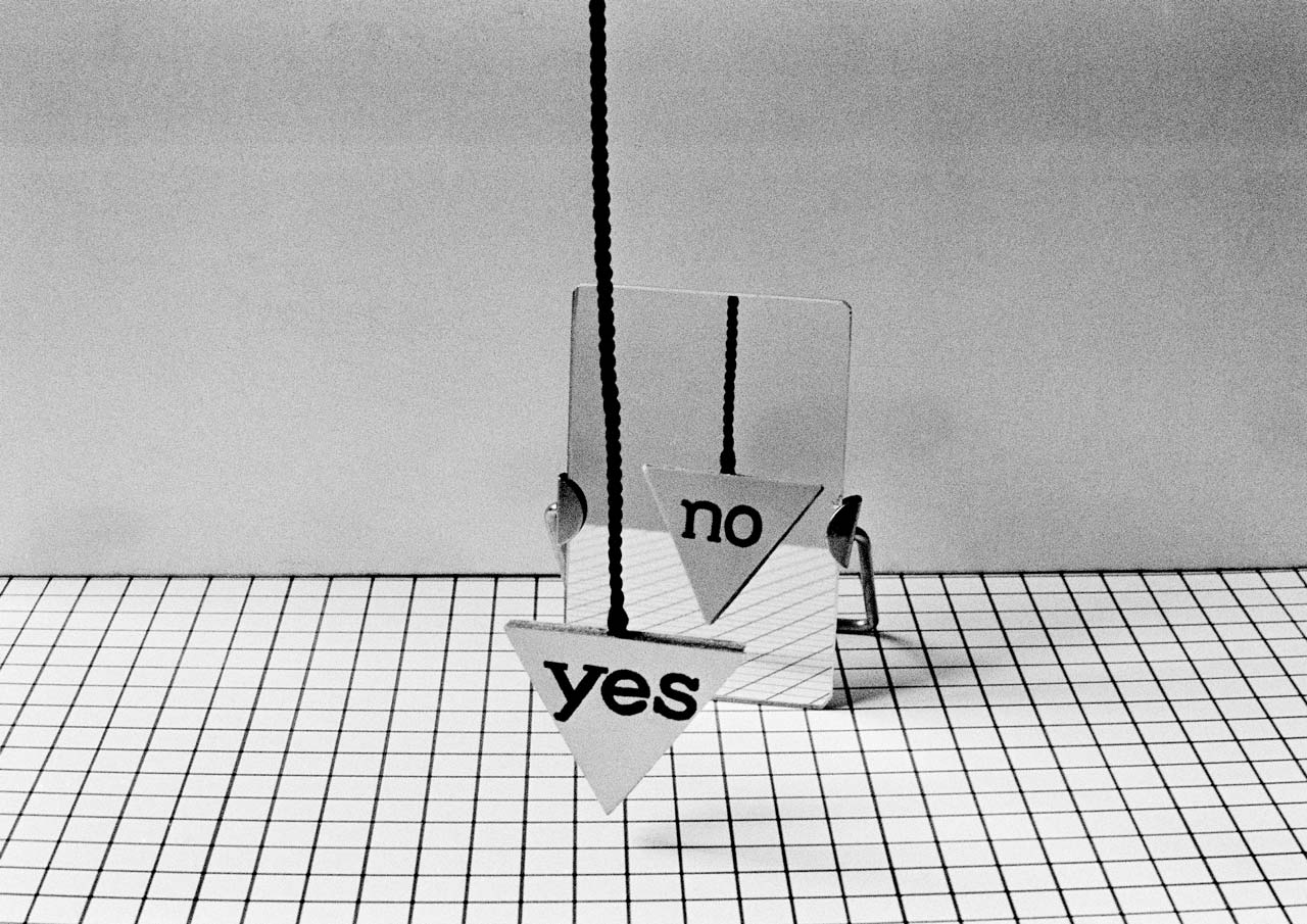 Perneczky Géza, Yes-No Concept, 1971 | Courtesy of Géza Perneczky / Patrick Urwyler (Chimera-Project)