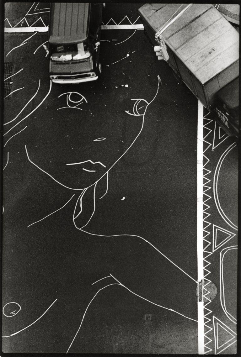 Sylvia Plachy: A Siren on Fifth Avenue (1976)