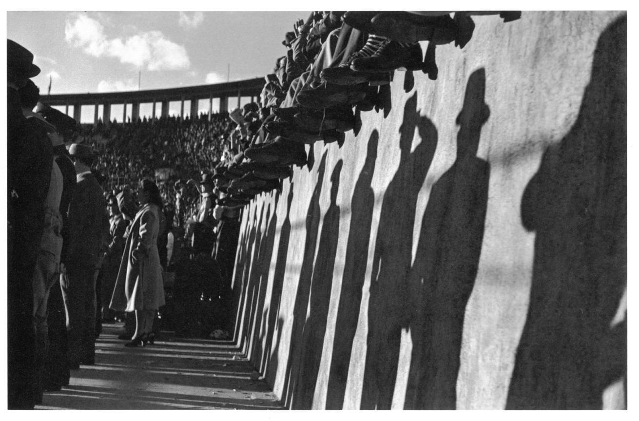 Thomaz Farkas: Pacaembu Stadion | Pacaembu Stadium, São Paulo, c. 1940 © Thomaz Farkas Estate/Instituto Moreira