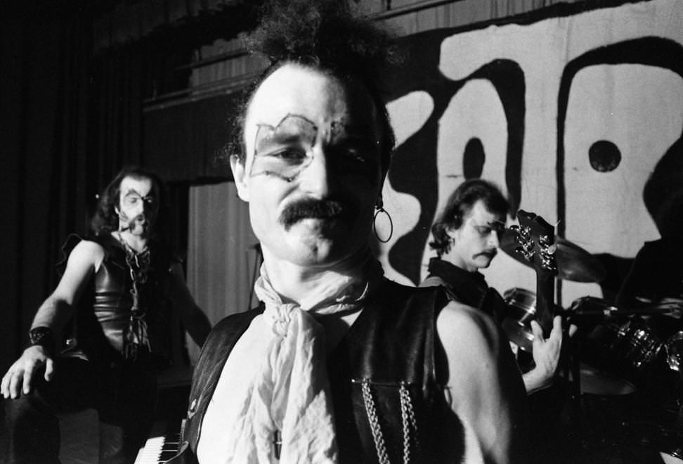 Urbán Tamás: Beatrice koncert egy moziban. Gidófalvy Attila, Nagy Feró, Lugosi László, 1978 © Urbán Tamás/Fortepan